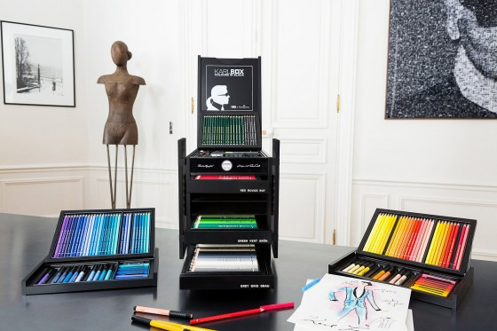 00-holding-karl-lagerfeld-art-box