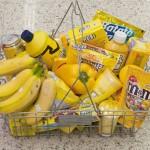 Compras monocromáticas: o que acontece quando um artista vai ao supermercado
