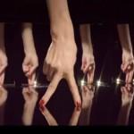 Chanel e o musical dos dedos
