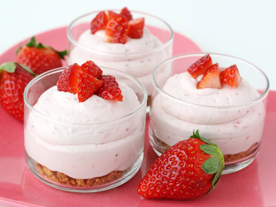 Cheesecake mousse in a jar