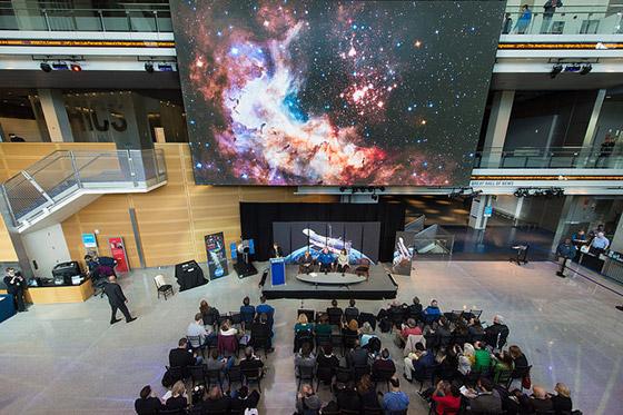 Imagem da celebração oficial dos 25 anos do telescópio Hubble (NASA)