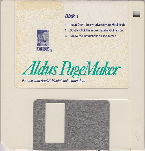 E o disquete de instalação? Imagem via.